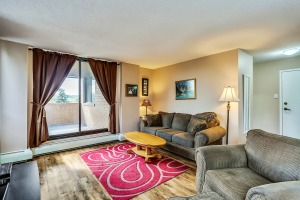Live In The Heart Of Calgary In A 2 Bdrm Condo With